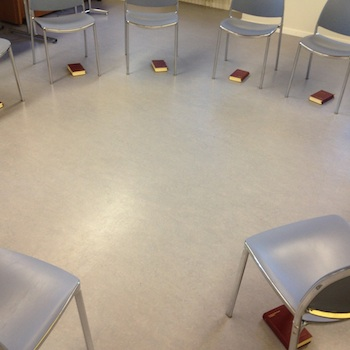 Stuhlkreis ohne